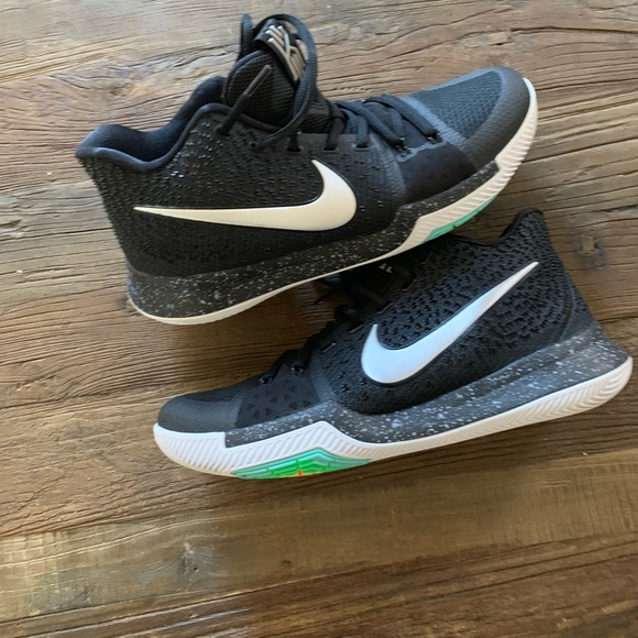 official photos 90d8a c9f13 Nike Kyrie 3 Mens 10.5.